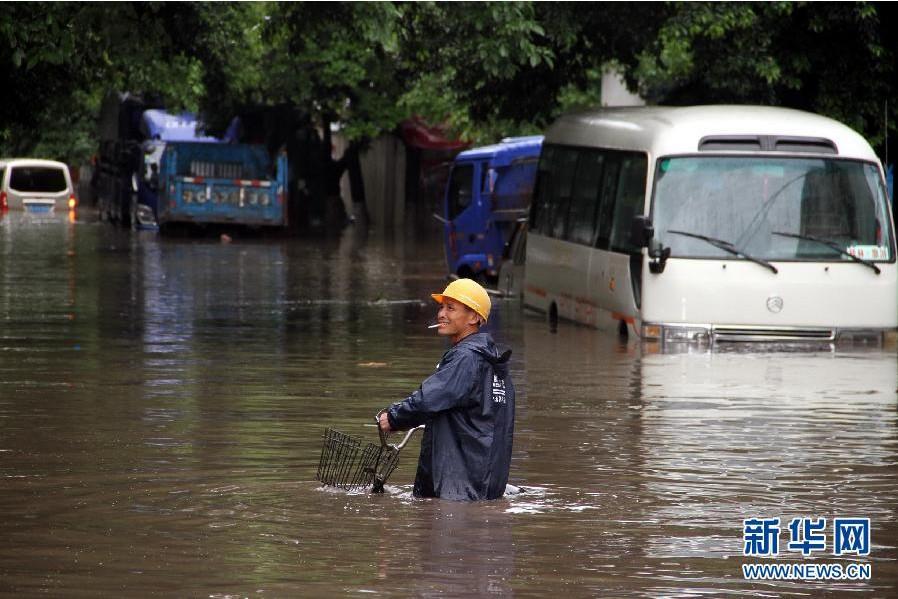 广西/南方普降大雨2013/05/06 14:36:05 来源:新闻华网评论:0