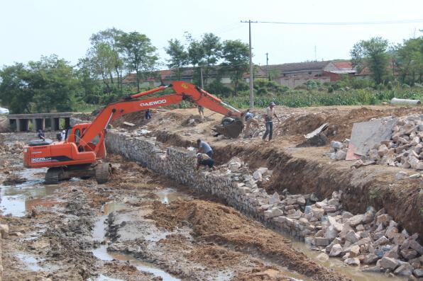 投入15万为帮扶村加强基础建设