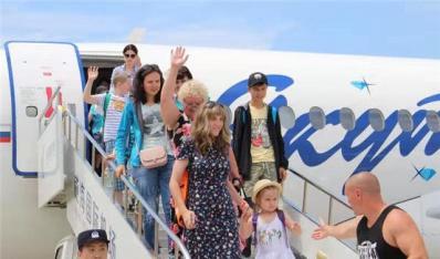 今年山东首个俄罗斯入境旅游包机顺利抵威