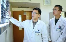 妙手仁心为患者 肿瘤克星好医生--记海大医院副院长、外科专家胡雪峰
